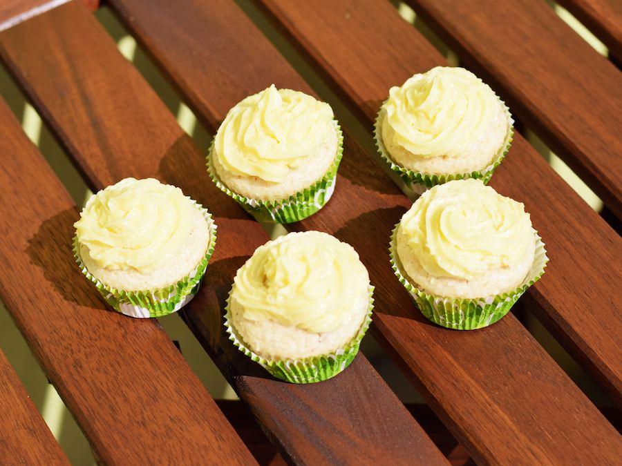 Noch sind vegane Limetten-Kokos-Cupcakes da! Sommergenuss - Rezept - Dessert - Vegan