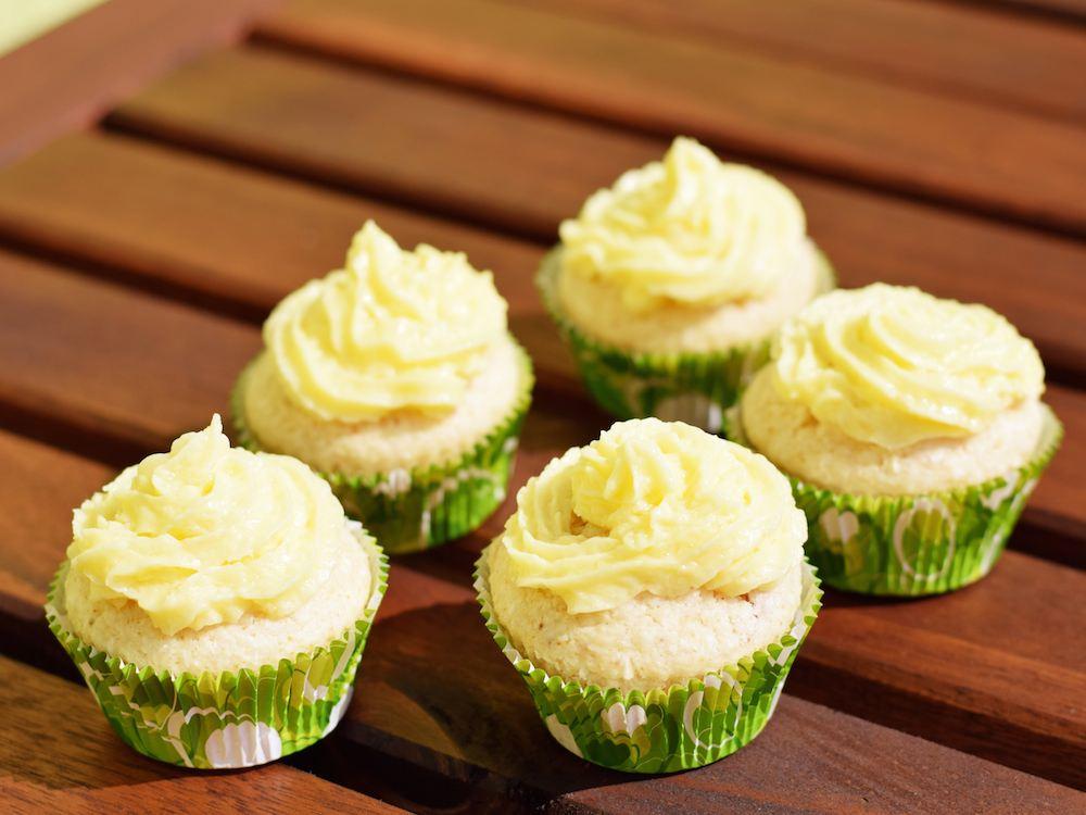 Letzte Chance auf vegane Limetten-Kokos-Cupcakes! Sommergenuss - Rezept - Dessert - Vegan