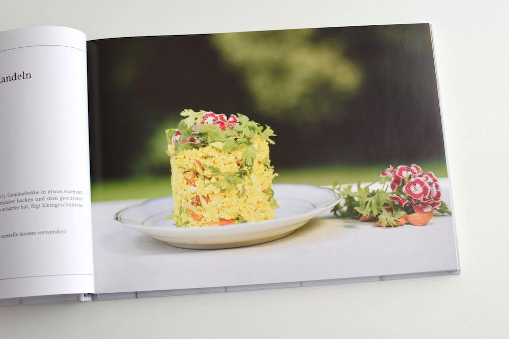 ROHGENUSS: Gemüsereis mit Mandeln